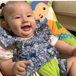 赤ちゃん大笑いの画像