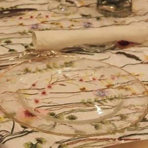 梅雨の頃のテーブルクロスの画像