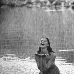「梅雨ブス」VS「梅雨美人」その差はあの香り?の画像