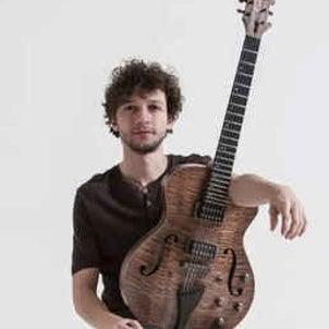 ブラジル新世代ギタリスト PEDRO MARTINS のホロスコープを勝手に読むの画像