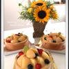 桃のケーキの画像