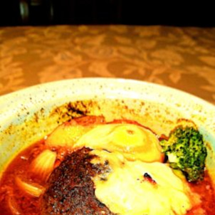 洋食家はるひです。今週の週替わりメニューは、『鶏野菜つくねと冷凍たまごと豆乳クリームチーズのスーの画像