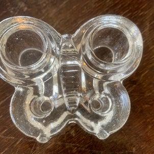 蝶のインクビンの画像