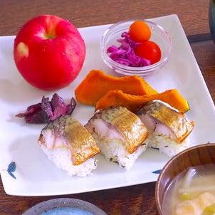 焼きサバ寿司でおうちランチの画像