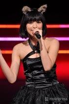 18歳美少女モデル、キュートなネコ耳×セクシー衣装で熱唱 2500名がメロメロ