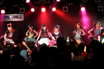 Party Rockets、渋谷・原宿で初ライブ、ハードでロックなロケットを打ち上げる