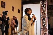 AAA・伊藤千晃(チャーミングキスプロデューサー)が沖縄県那覇市、ドン・キホーテ国際通り店にて握手会を開催!
