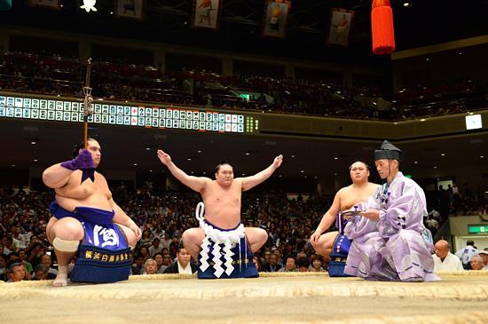 両国・国技館で「大相撲一月場所」開幕!相撲がもっと楽しくなるチケットも