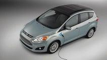 あのTV番組が現実に!? 太陽光発電で走る電気自動車が登場!【CES2014】
