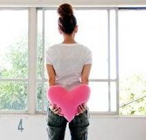 理想の恋愛をひと言で表すと? 1位「やすらぎ」2位「癒し」