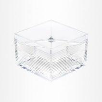 透明なアクリル製の升「mas/mas」発売 - 側面には日本の伝統柄などの彫刻
