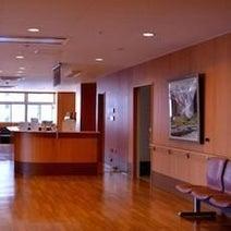 なぜ、土日に開いている病院が少ないのでしょうか?