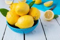 ダイエットに肌荒れ緩和。レモンの効果にびっくり!
