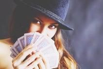10の質問でわかる【ポーカーフェイス度】イライラ感情、うまく隠している?