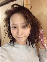 藤本美貴 温泉に行き、湯上がりの濡れ髪すっぴん顔公開