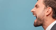 酸っぱい感じの口臭がする…逆流性食道炎の疑いが?