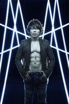 T.M.Revolution、デビュー20周年記念のオールタイム・ベストアルバム詳細発表!