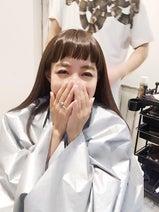 アレクサンダーが妻・川崎希のオンザ眉毛前髪を「かわいい」