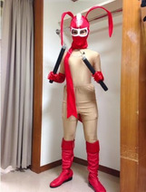保田圭 「けっこう仮面」オーダーメイドの全身タイツ姿公開