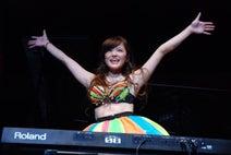 高木里代子、先輩 DJ KOOと初ライブ「手応えあります」