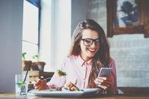【心理テスト】おひとりさまランチで食べたいものは? 答えでわかる素の自分