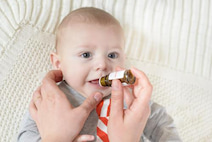 ビタミンK2シロップ飲んだ?後遺症もでる「新生児メレナ」の予防法 ...