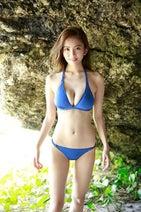 神ボディの新人女子アナ・伊東紗冶子が水着グラビアで再び登場!