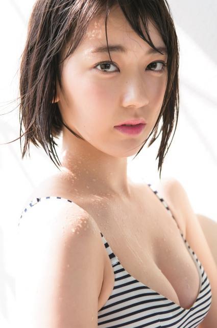 宮脇咲良、可憐で大人っぽいビキニ姿 年またぎの顔を麻里子様から継承 - Ameba News [アメーバニュース]