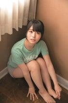 「長崎から来た天使」欅坂46・長濱ねる、赤いドレスで大人な表情