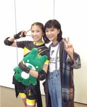 芳根京子・ももクロ玉井が毎日ブログ更新宣言「しおりん、いつまで更新続くかなぁ」