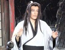 松山ケンイチ、アジア初360度回転ステージで熱演「演じるより観る方が楽しい」
