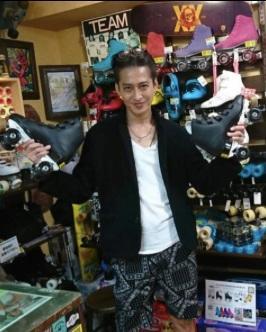 大沢樹生 25年ぶりにマイローラースケート購入、滑る動画公開でファン歓喜