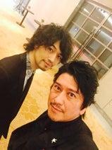 川崎麻世、年齢差18歳 斎藤工との2ショット公開「彼がモテる意味がわかった」