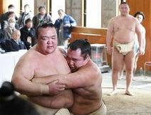 再起へ、稽古も泥臭く=稀勢の里「15日間しっかりやる」-大相撲