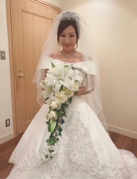 第1子妊娠の愛川ゆず季、挙式を報告「とても綺麗な花嫁さん」とファン ...