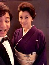 片岡愛之助、妻・紀香と坂東巳之助の披露宴へ キティちゃんに興奮
