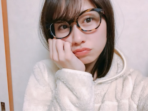 佐々木彩夏さんのポートレート