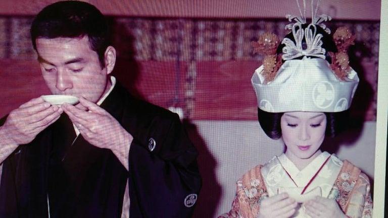 高橋英樹、44回目の結婚記念日迎え挙式ショット公開「美男美女ですね」と絶賛の声