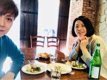 IZAM、妻・吉岡美穂とランチ2ショット「妻の不満や、話を聞くのも旦那としての務め」