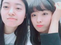 大友花恋、『Seventeen』同期・田辺桃子と久々2ショット公開でファン歓喜