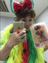山田邦子、スイカ衣装で「リカちゃんキャッスル」のアンバサダーに就任