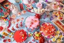 花よりマカロンなデザートブッフェ!「ヒルトン東京」でレトロ可愛いスイーツの世界へ