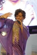 島茂子、新曲リサイタルに2000人沸く「遅咲きの新人歌手として立派な花を…」
