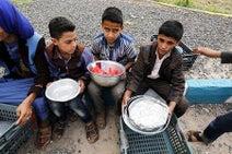 要衝の港で攻防激化=イエメン、人道危機に懸念