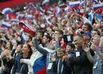 スタジアム、5回揺れた=「ロシア」他国ファンもコール-サッカーW杯