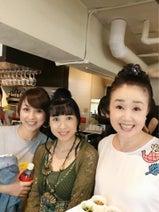 渡辺美奈代、同級生の西村知美とランチ 清水よし子との集合ショットも公開