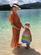 蛯原英里、石垣島の海やプールを親子で堪能「産まれたらまた来たいな~」