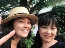 中村由真、大西結花の誕生日を焼肉でお祝い「相変わらずお肌がキレイで可愛くて」