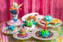 「KAWAII MONSTER CAFE」が宇宙をテーマに3周年記念フェアを開始