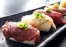 カルビにローストビーフ、牛タンに合鴨! 「肉寿司6種」が格安で食べ放題っ!
